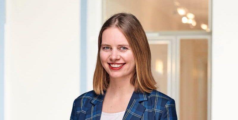Katrin Tholen (on leave)
